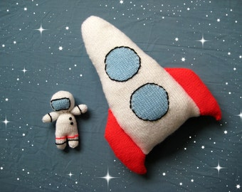 Space Rocket and Astronaut toy knitting patterns