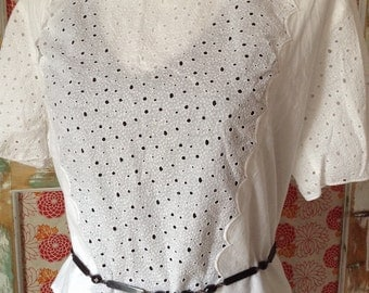 French antique White Cotton Lace Exquisite Blouse / shortsleeves skirt