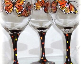 Monarch Butterfly Blueberry Hill Wine Glass