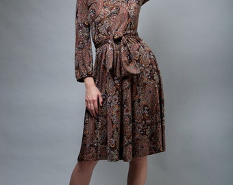 brown paisley belted dress XS S vintage 70s long sleeve knit day dress with belt / extra small / small knee length