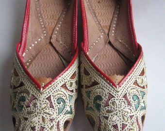 handmade shoes / slippers made in India size 7 -7 1/2