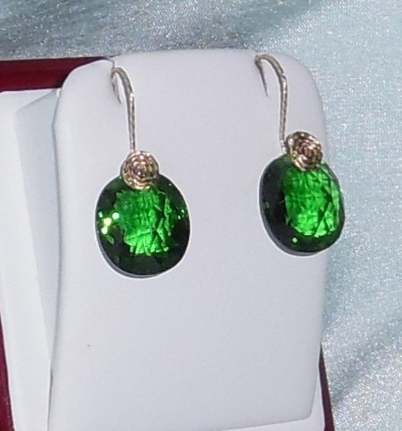 25 cts Natural Oval CKB Green Amethyst gemstones, 14kt yellow gold Pierced Earrings