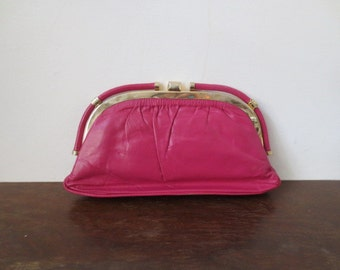 Adorable 80s Bright Fuchsia & Gold Leather Clutch