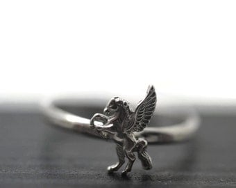 Silver Pegasus Ring, Winged Horse Jewelry, Mythological Jewelry, Greek Myth Ring, Fantasy Jewelry, Animal Ring