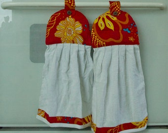Hanging Hand Towel Red Floral Coconut Button ~1 Set