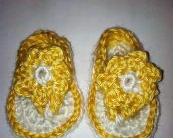 Baby Girls Crocheted Sandals Flip Flops Shoes Size 0-3 / 3-6 Months Yellow & White with Flowers