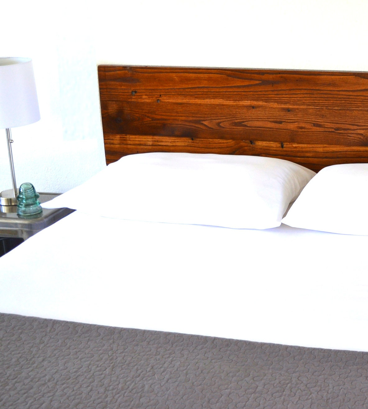 reclaimed wood headboard queen size. Black Bedroom Furniture Sets. Home Design Ideas