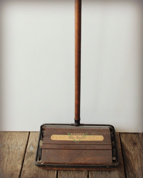 Vintage bissel model 2650 sweeper