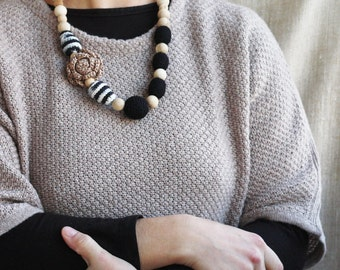 Nursing necklace Black and tan brown Natural neutral jewelry Baby shower gift for mom Fall fashion Earthy Eco friendly Crochet balls flower