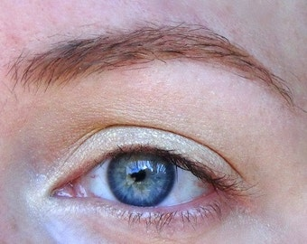 Aurora Eyeshadow- Semi-Sheer Platinum Gold with Gold Shimmer