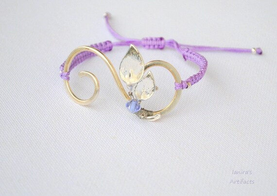 Lilac macrame bracelet with silver plated lilies