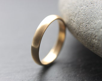 3mm wedding ring in 9ct yellow gold, D-shape profile, brushed finish - made to order