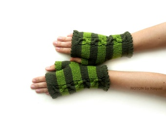 Short Green Fingerless Knit Gloves
