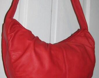 LIPSTICK RED BRIO Curved Satchel // Vintage Purse Avant Garde 80's Shoulder Bag Adjustable Bow Tie Strap