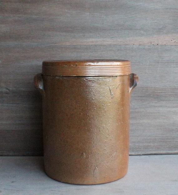 ancien pot sel en terre cuite verniss e avec couvercle. Black Bedroom Furniture Sets. Home Design Ideas