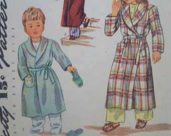 Vintage Childrens Bathrobe & Slippers Size 2 Simplicity Pattern 1126 circa 1940s