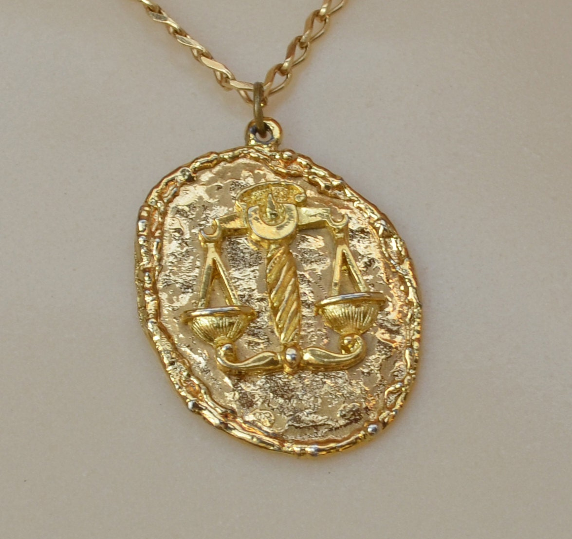 zodiac 1970s libra pendant necklace gold nugget texture