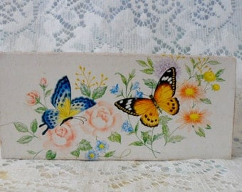 Vintage Avon Summer Butterflies Soap Gift Set Fragrance  Bathroom Decor Shabby Chic