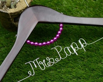 Wedding Hanger, wire name Hanger with bow,  Personalized Custom Bridal Hanger, Bridal Hanger, Bride name hanger