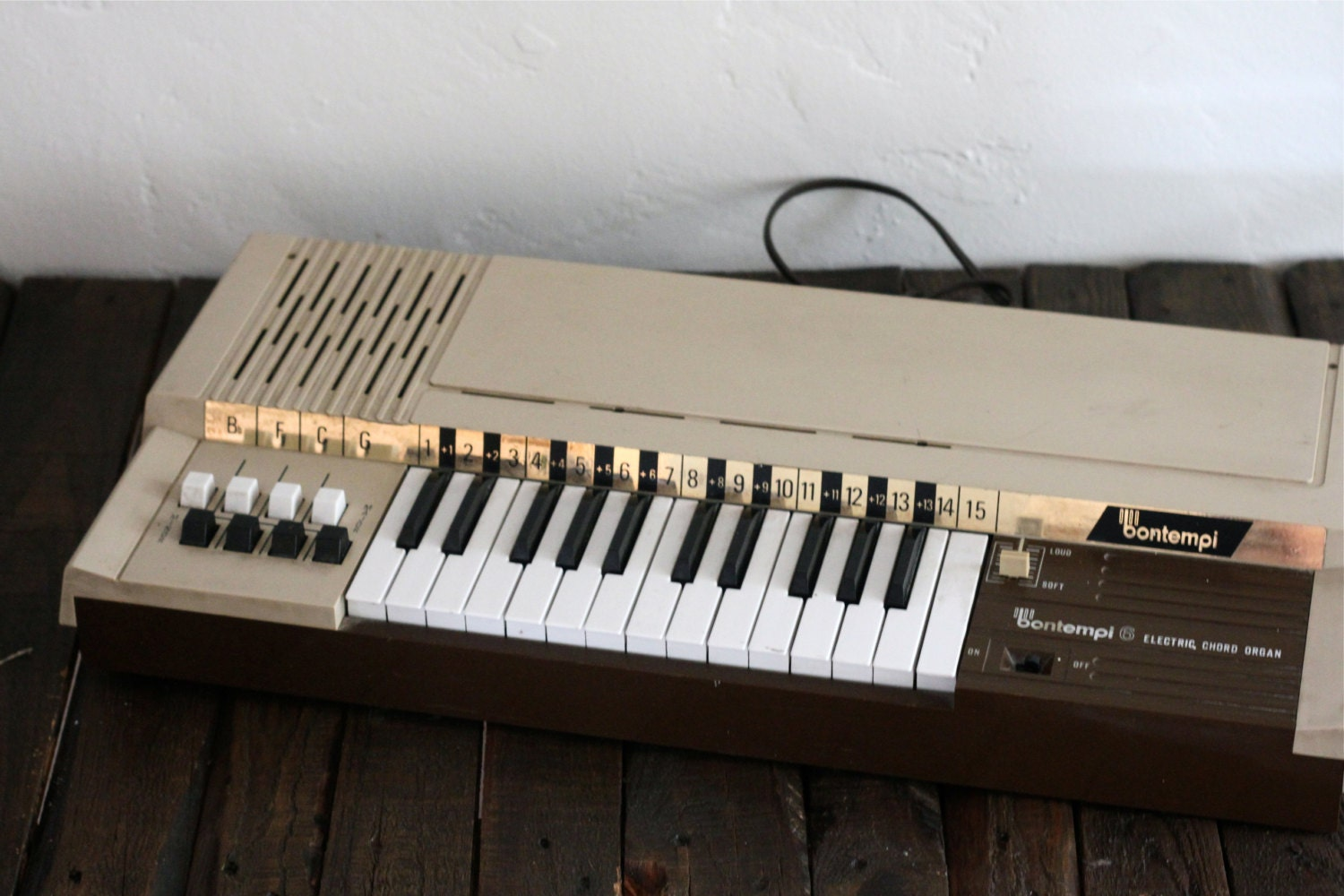 rare 1970s bontempi 6 electric chord organ made in canada. Black Bedroom Furniture Sets. Home Design Ideas