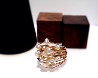 Gold filled wire ring with fresh water pearls