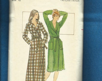 1970's Butterick 5165 Classic Shawl Collar Robe in Two Lengths Size 12