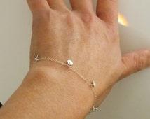 Silver Bracelet, Tiny Disc Charm Bracelet, Dangle Silver Bracelet, Small Round Drop Disc Delicate Simple Modern LEA