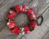 Stars Red and Black Wreath Ornament, Seasonal Decoration, Home Decor Ornaments, Tiny Wreath