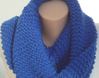 Chunky knit parlement blue scarf , chunky knit snood, blue knit cowl,blue knitted infinity scarf