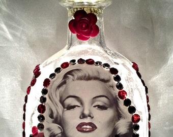 Monroe in Roses