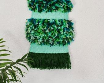 Woven wall hanging - Green furry - Medium - Tapiz
