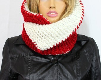 Reversible Red White Cowl Knit Cowl Knit Scarf Handknit Cowl Knit Cowl Chunky Cowl Cowl Neckwarmer Valentine's Day Gift Accessories For Her
