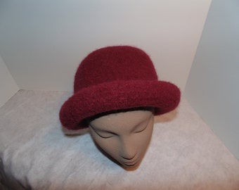 100% Wool. felted knit woman's hat. Burgundy.