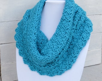 Turquoise Cowl / Turquoise Scarf / Light Blue Scarf / Crochet Scarf / Lacy Scarf / Lacy Turquoise Scarf / Circle Scarf / Infinity Scarf