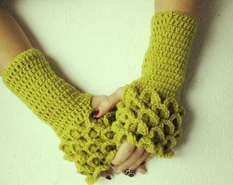 Cute Fingerless dragon scale gloves Crocheted Gloves Arm Warmers olive color Accessory,women fingerles