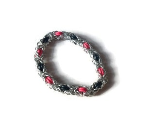 Stretchy Chainmaille Bracelet - Red and Black Elastic Bracelet