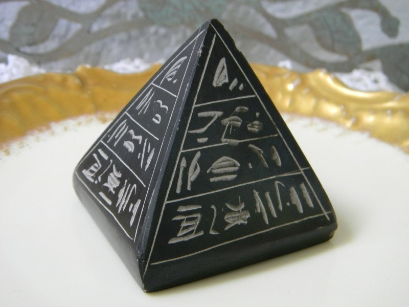 Vintage egyptian pyramid paperweight hand made carved basalt