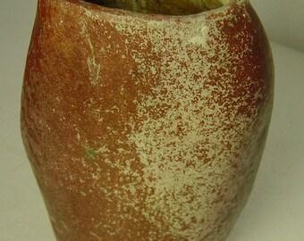 vintage 60s/70s organic shape  pottery vase  object