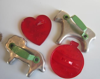 Vintage 1950/60s metal and plastic Cookie Cutters (Lot of 8)