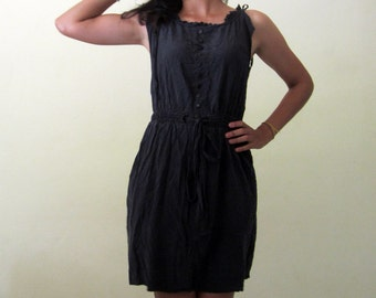 black dress / sleeveless minidress / small quiksilver dress
