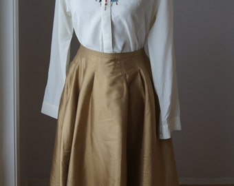 Vintage 90s Cream/White SILK Button Up Blouse, Long Sleeved, Beechers Brook