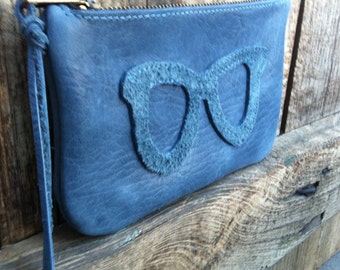 Blue calf leather and velvet blue glasses pouch