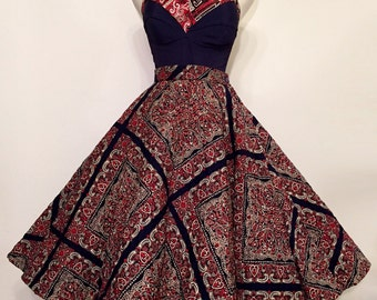 15% SALE Vintage 1950s Full Circle Skirt / Pinup / Rockabilly / Bombshell / Swing / Quilted Paisley / S-M