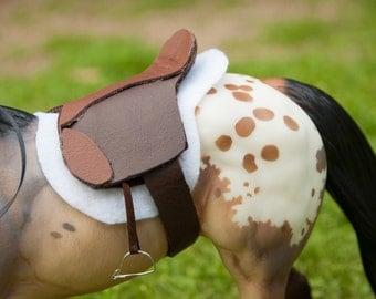 Model Horse English Saddle (fits Breyer)