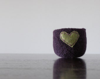 felted wool bowl  -  blackberry wool with dark green eco felt heart - ring holder, anniversary gift - ring bowl - romantic