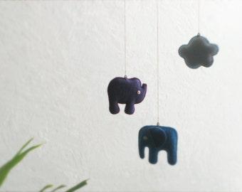 ANIMAL MOBILE Elephant Rhino Cloud, Blue Purple Felt Animals—Nursery Newborn New Baby Shower—Mobile Bébé Éléphant/Elefante Rinoceronte Móbil