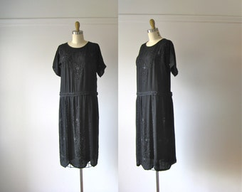vintage 1920s dress / beaded flapper dress / 20s dress