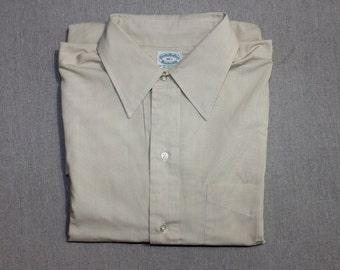 vintage 1960's -Brooks Brothers- Men's short sleeve shirt. 'Brookscloth' in Yellow Khaki. Large - Extra Large 16 1/2
