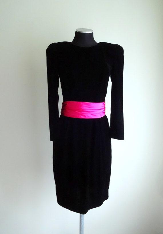 Vintage 1980's black velvet cocktail holiday dress with wide pink sash / belt