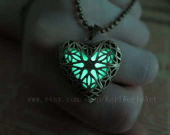 Green the Heart of Atlantis,Glowing Necklace,Glowing Jewelry,Glowing Pendant,Glow heart,Glow Pendant Necklace,wedding necklace